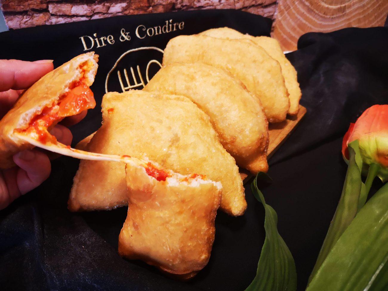 Siciliane fritte al pomodoro e formaggio