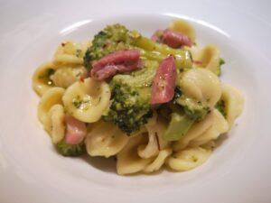 Orecchiette con cime di broccoli