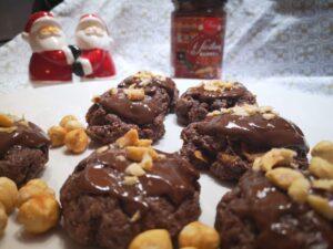 biscotti afgani con glassa al burro d'arachidi al cacao
