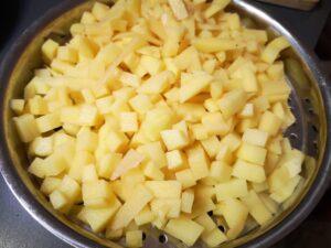 cuocete a vapore le patate e le carote