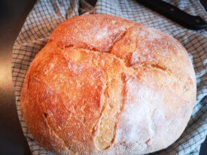 tagliate il pane a metà e farcitelo