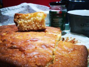Torta quadrata con marmellata d'arance
