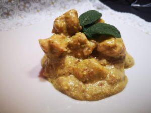 Pollo in crema di pistacchio