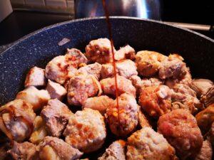 Bocconcini  e polpette di maiale al miele con riso basmati